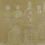 Foto di famiglia prima della partenza di Lorenzo per l'America, 1913 (archivio privato della famiglia Viviani)